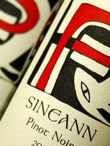 Sineann bottles.labels